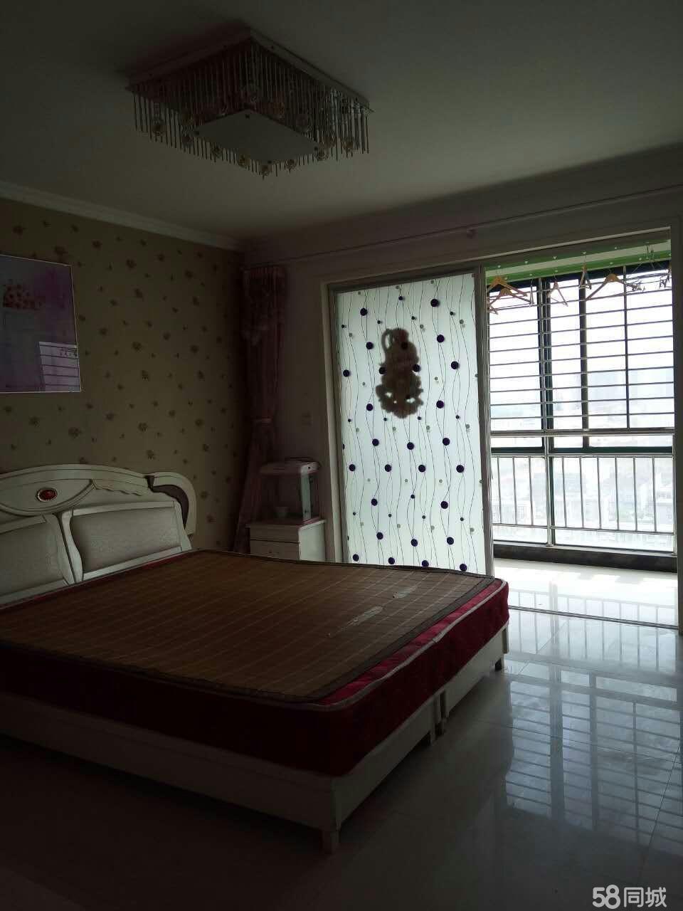 左岸国际3室2厅120平米豪华装修押一付三