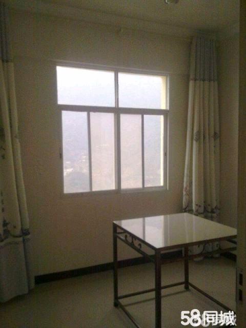 出售:佳园小区精装修,证件齐全,带家具及办公桌等。