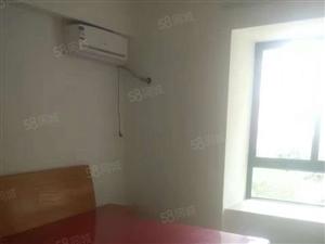 房东(免)浦东市场永大星城一房一卫一凸窗700元