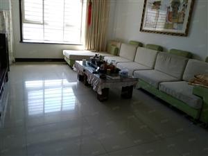 新新家家园三楼148平带大车库40平110万。