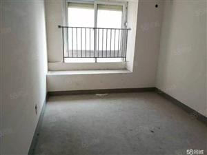欧亚花园多层三楼主卧客厅朝阳南北通透送车库急售房。。