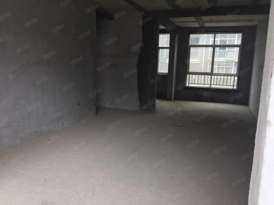 榕江小区学区房,电梯新楼盘三室两厅,采光超好只卖43.8万