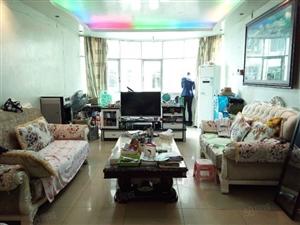 中心位置精装四居仅需3300一平、带家具可按揭,读书配套方便