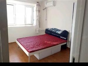 崇城国际房屋出租经典大三居家具家电齐全价格优廉。