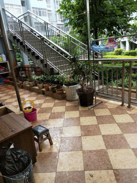 富康凤凰苑1楼88万带25平米的花园