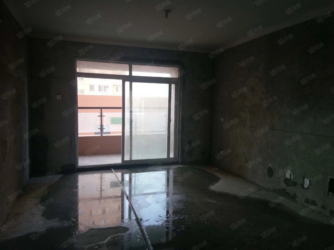 龙凤小区,86平两室两厅一卫,临近凤尾河畔,体育公园,