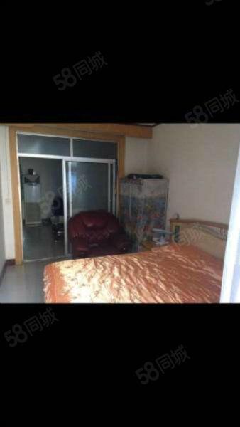 人民西路、海丰苑2室简装、+家具+家电出售可按揭。