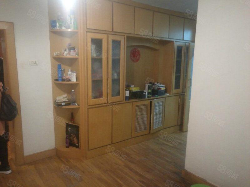 安吉总店武山小区5楼3室老式精装修可贷款