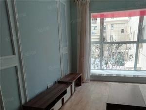 紫城御都套三,精装未住首租,全新家具家电齐全拎包入住。