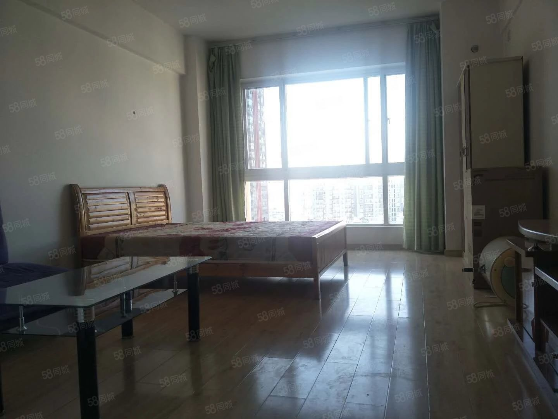 时代广场单身公寓1000每月