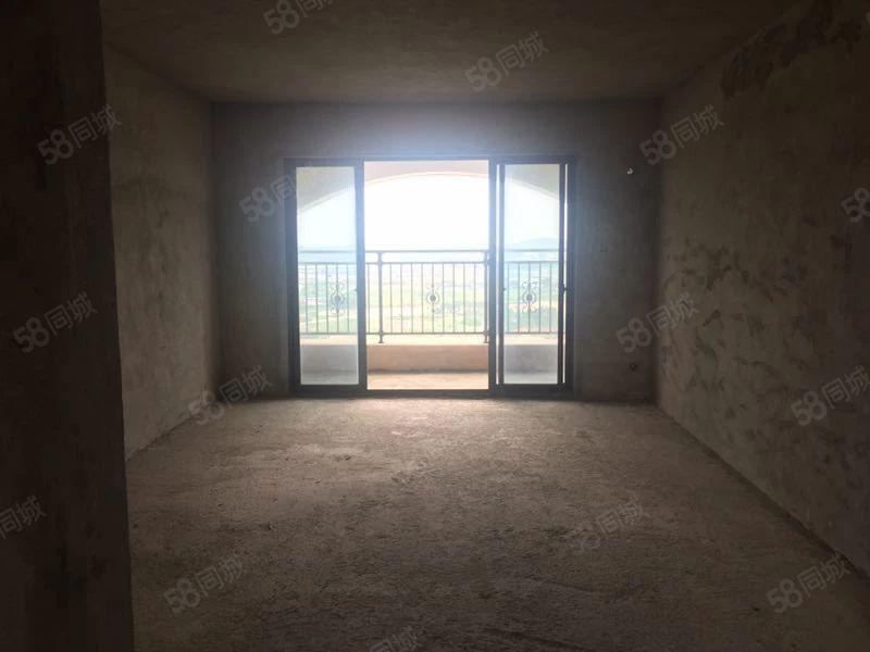 品质小区广博峰景毛坯高层南北对流4房2厅2卫