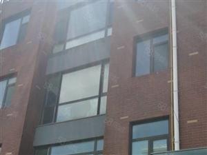 水城国际12楼顶楼出租