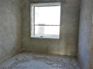 澳门巴黎人投注网站准现房出售4室2厅2卫带一个储藏室房婚房