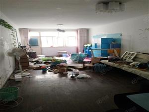 李村滨河小区精装套二厅靠近乐客城近地铁一楼带院