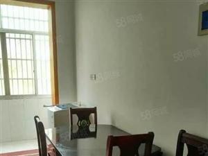 花园商城套房出租,有三室的一套,有二室的一套。