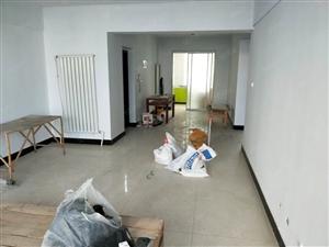 欧康A区中层南北通透简装干净整洁空房月租1250元
