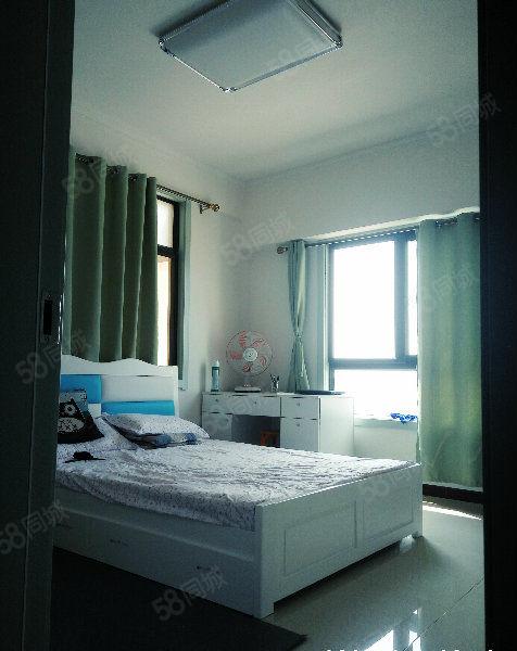 南上召秦楚国际汽博城三室两室自由分割现房