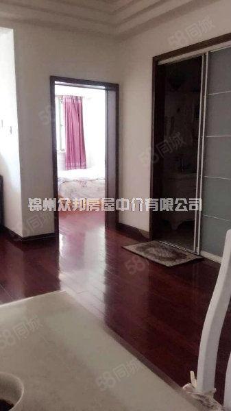 [众邦]万通公寓140平三室两卫精装修,无大税带家具家电