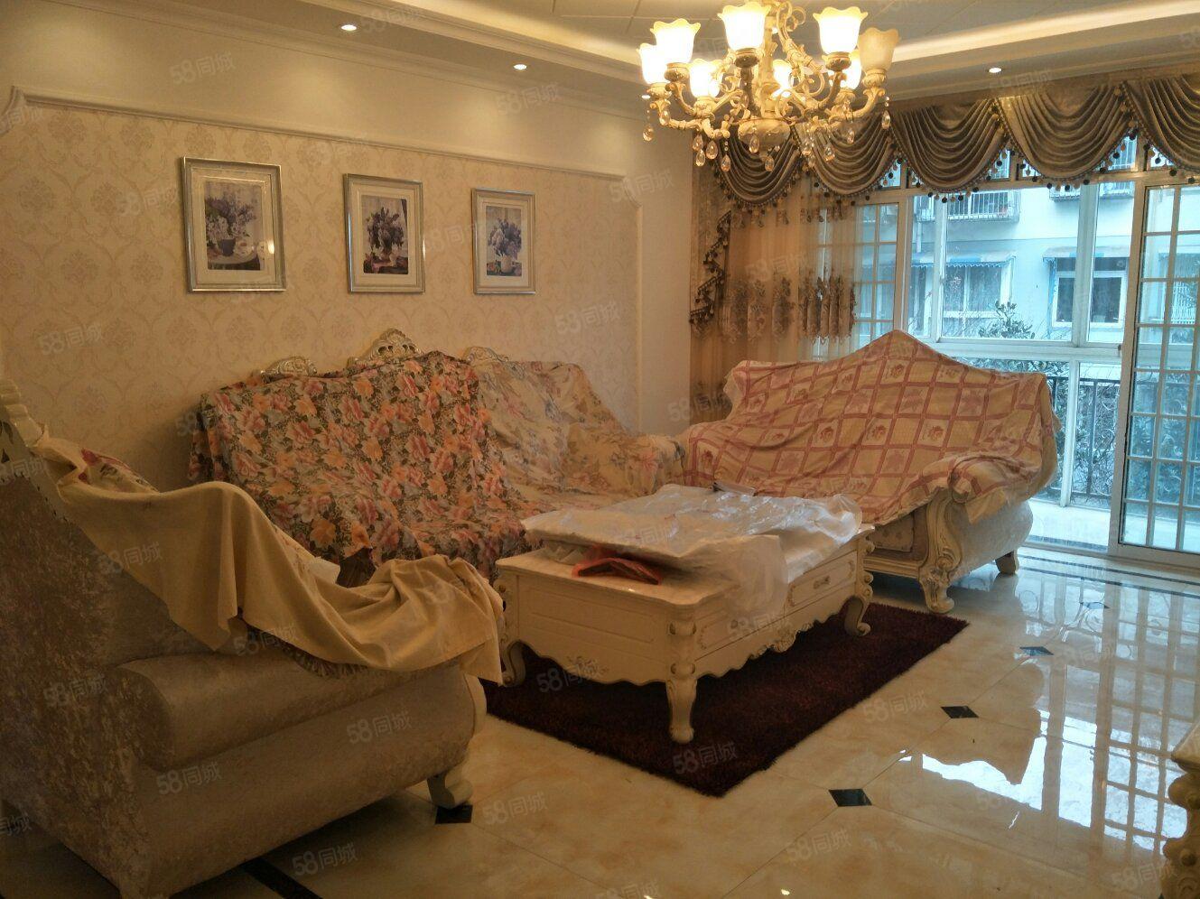 幸福风景欧式豪华装修套三双卫家具家电齐全即可拎包入住