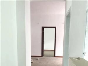 柳树塘,楼梯房,无证,简装三室两厅两卫,138平,31.8万
