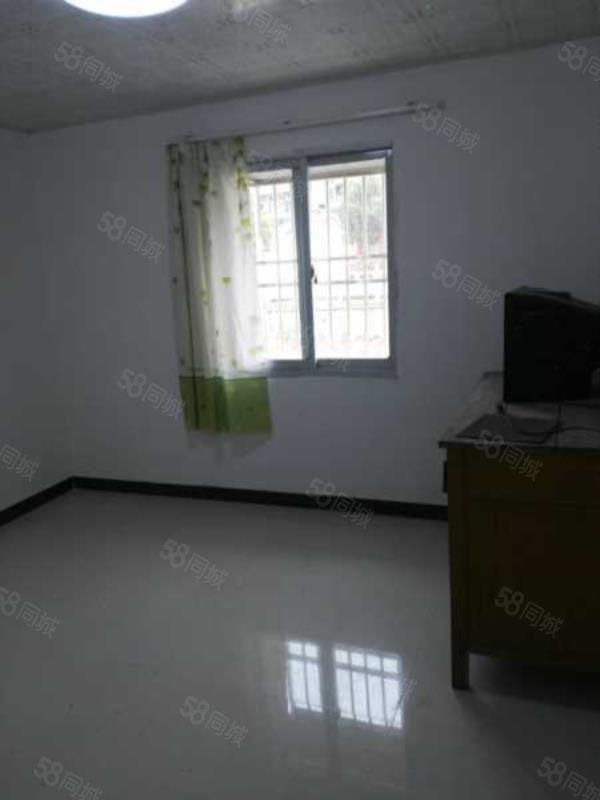 出租潜山农贸市场一室一厅一卫简装房
