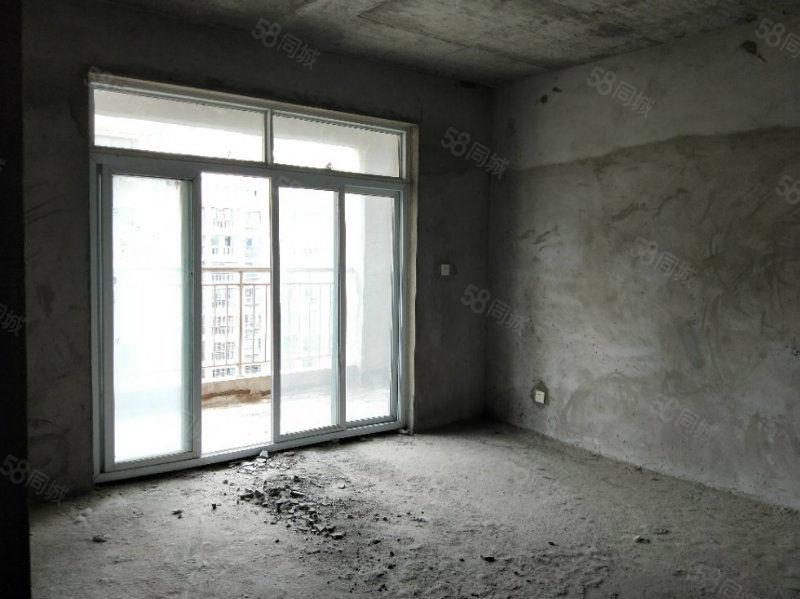 新上房源,奢华3房2厅,中高楼层,有证,可按揭,采光无敌,,