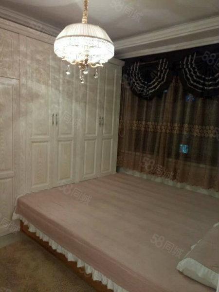 屋内所有东西都不动,特别豪华的装修,取暖特别好。