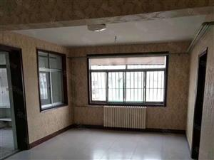 华任尚品8楼精装修3室1厅1300每月