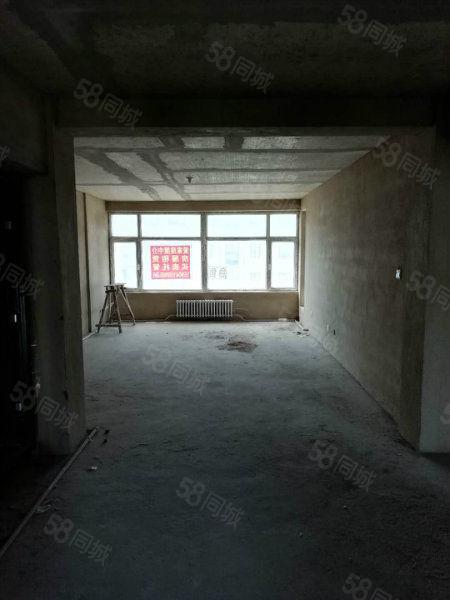 海滨家园102.88平米两居室