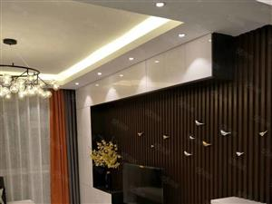钻石名城二楼,两室一厅,拎包入住,豪华装修,