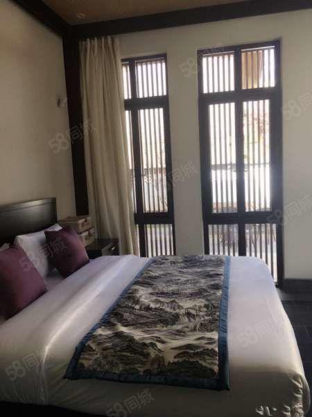 金茂雪山语跃层公寓4室2厅5卫全套家具家电半年付12500