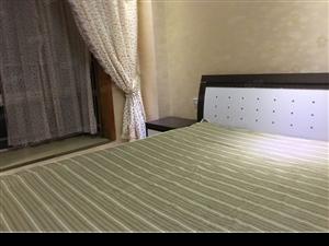 清江半岛,精装房,�缱馊�室两厅两卫