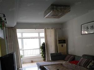 桂林路南区,精装家具家电齐全3台空调,价格面议。