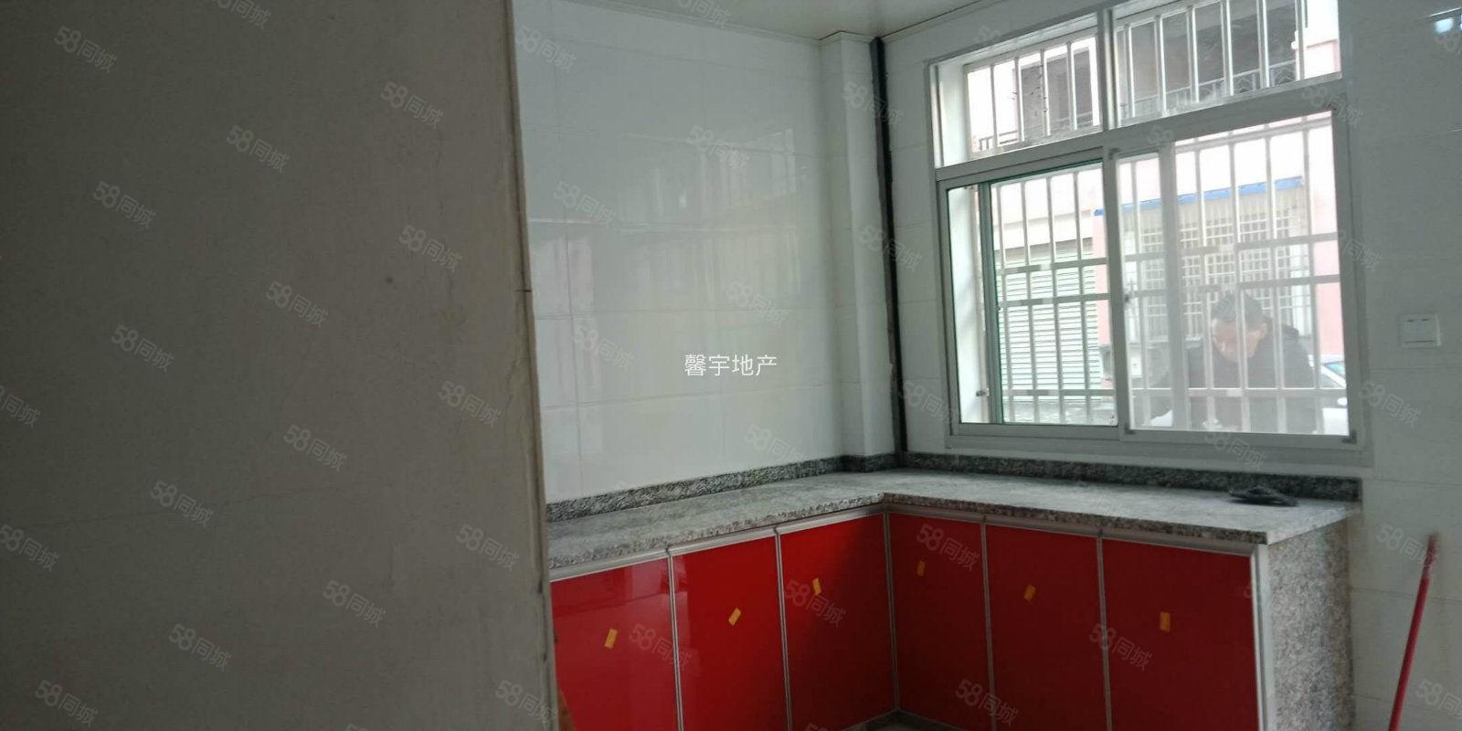 新出三合大市场精装一室可以看房价格便宜