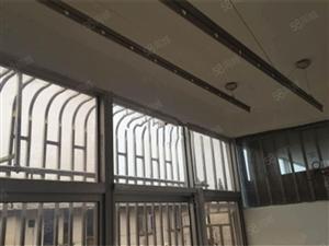 阳羡新村4楼出新中装3室1厅送阁楼送车库实际面积80