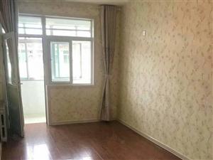 曼哈顿120平简装3室2厅月租1200