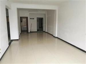 腾龙国际108平简装房,3房2厅1卫。喜欢的看过来