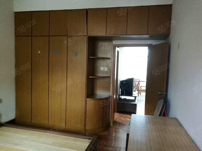 蕉北市场旁西山邮政宿舍3楼简装三房看房方便