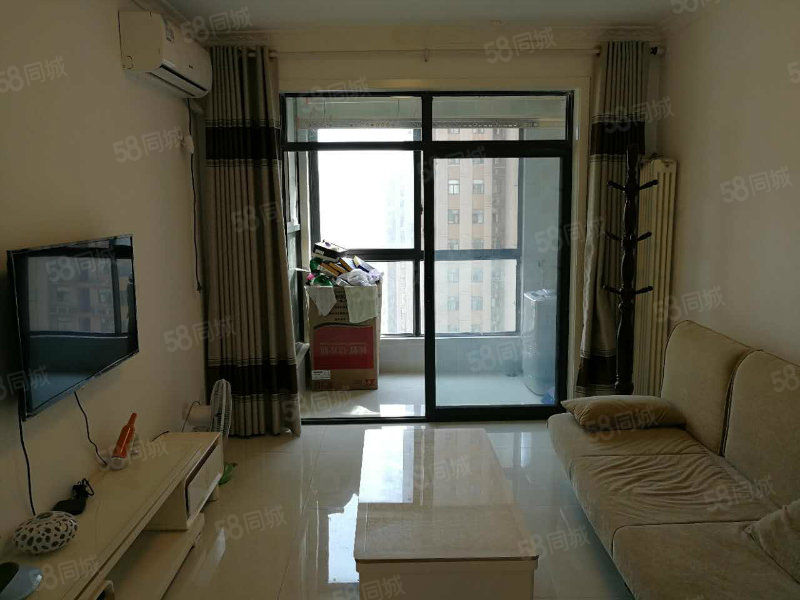 鑫苑鑫城,精装修小3房,家电家具全齐,小区环境好,拎包入住