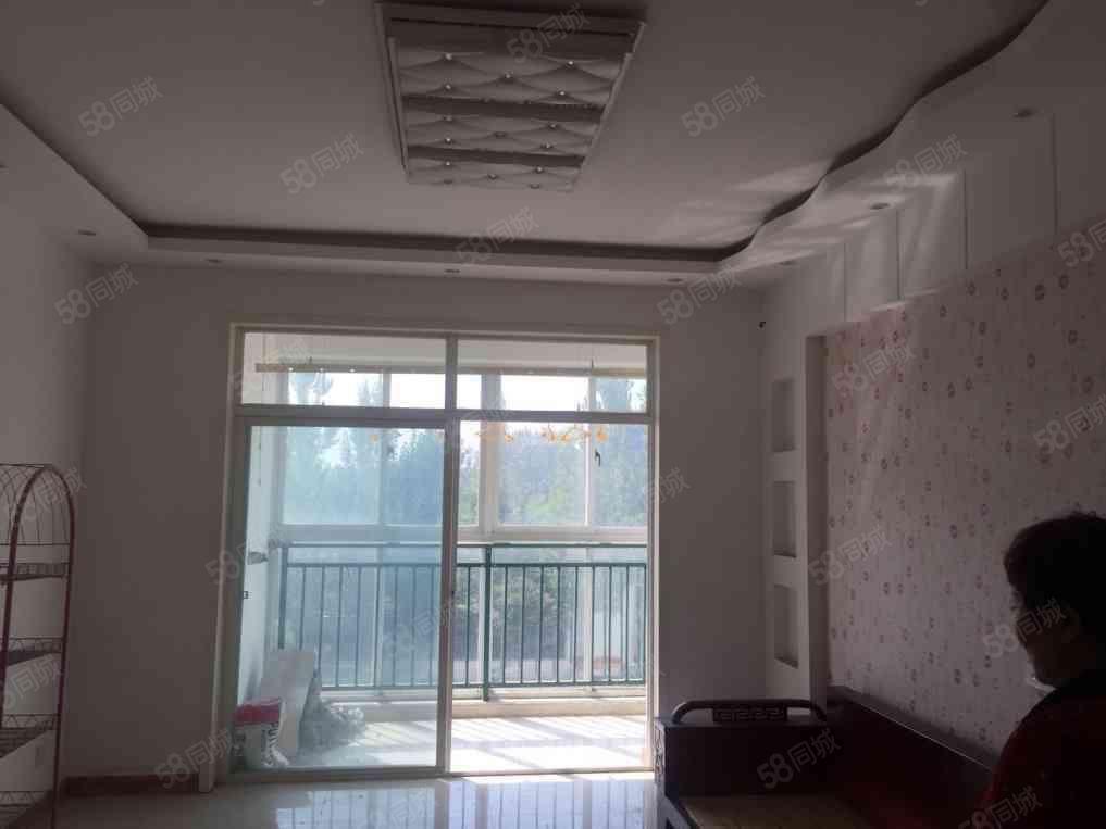 融辉城二期,多层3房,简单装修可住可办公。