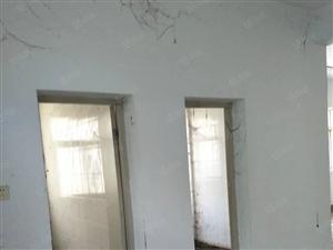澳门金沙气象局家属院3室2厅2卫140平米楼下带个车库