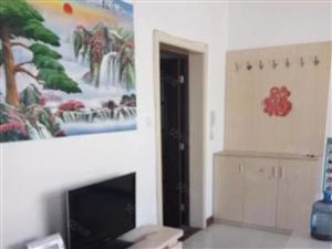 乐泰花苑三室两厅精装修证过二,免税!随时看房.