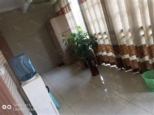 精装修2室2厅2卫带露台花园及楼顶花园可改套三