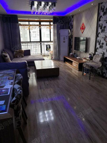 国润翠湖市中心高端社区电梯中层精装两室证在手可贷款支持公积金