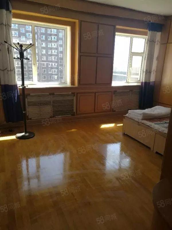 出租国税局家属楼中心小区西侧两室一厅暖气楼干净立正