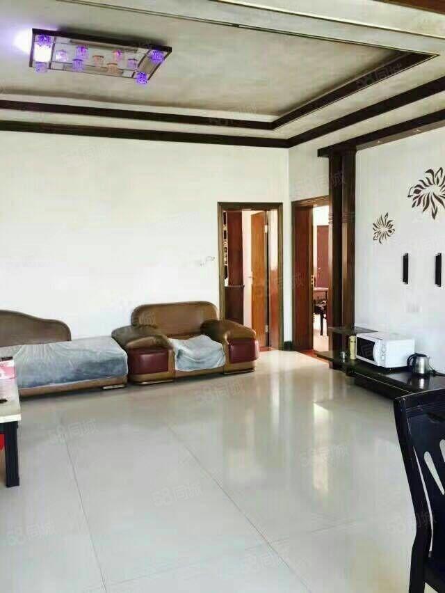 铅山县福惠路口3室2厅2卫143平方精装修4楼总高6楼