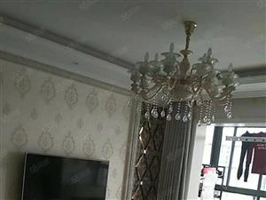 荣誉酒店旁城市星座1室出租精装修家电齐全拎包入住即可。