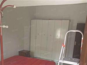 四小旁精装修,二房二厅才卖二十几万。