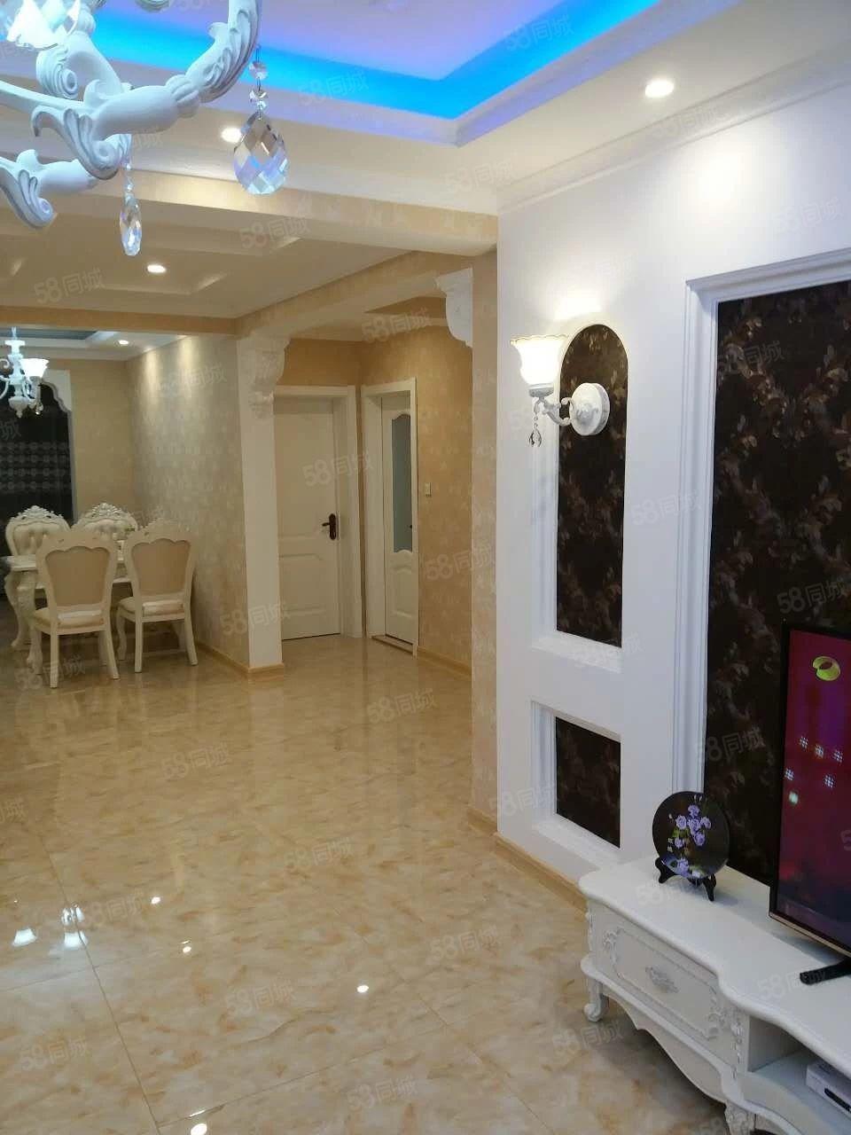 亿隆国际2室1厅精装修家具家电齐全拎包就住不包费用