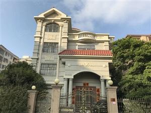 坐北向南,豪华装修,阳东花园别墅,过户费便宜。。。